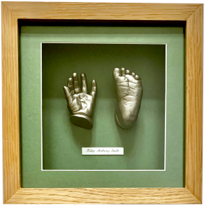 baby hand foot-riley