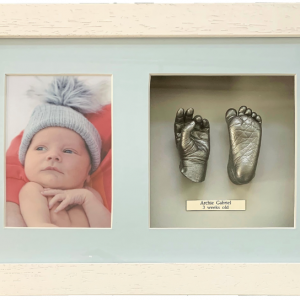 baby life casting one hand and one foot with photo